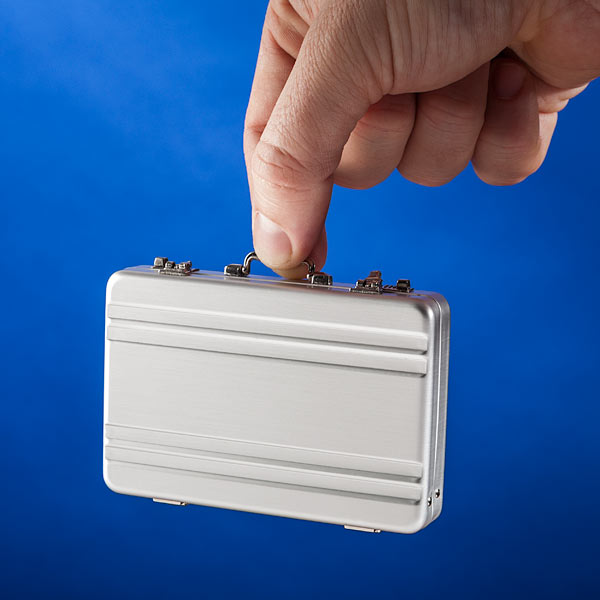 Mini-Briefcase-Business-Card-Case_